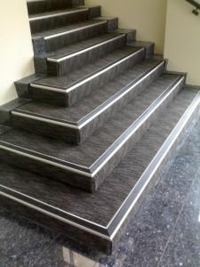Lépcsőélvédő beépítése